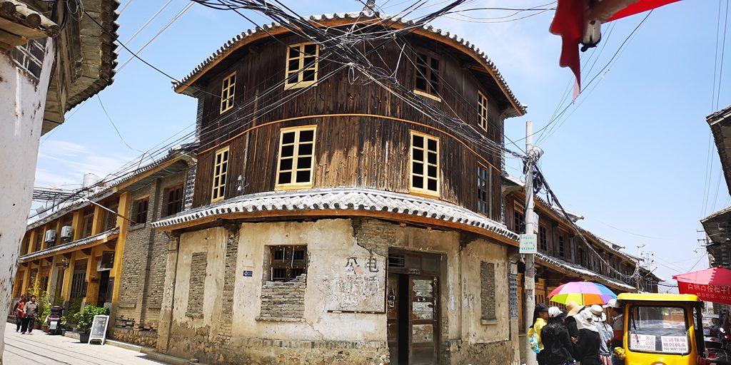喜洲古镇的标志性建筑物转角楼