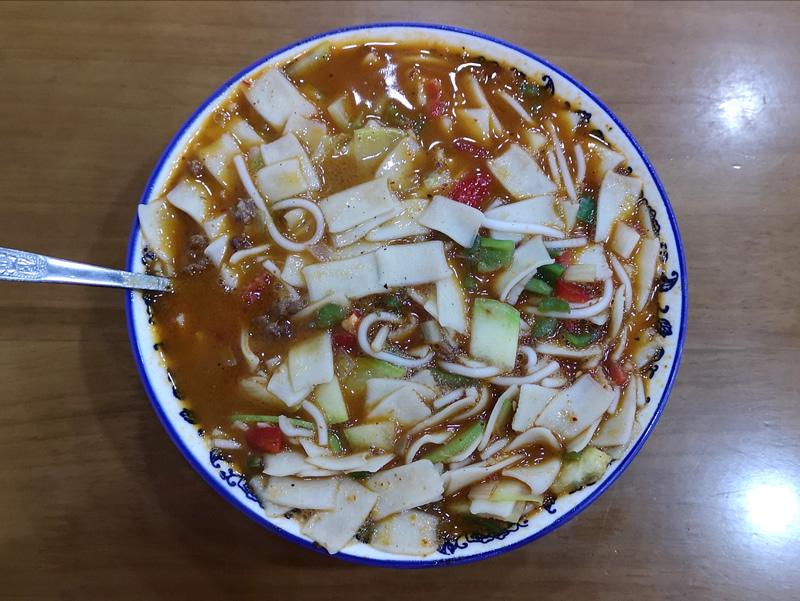 汤面片拉萨马忠羊肉串汤面片