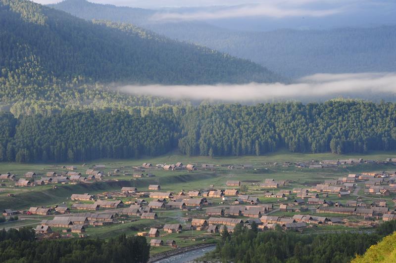 禾木村晨雾
