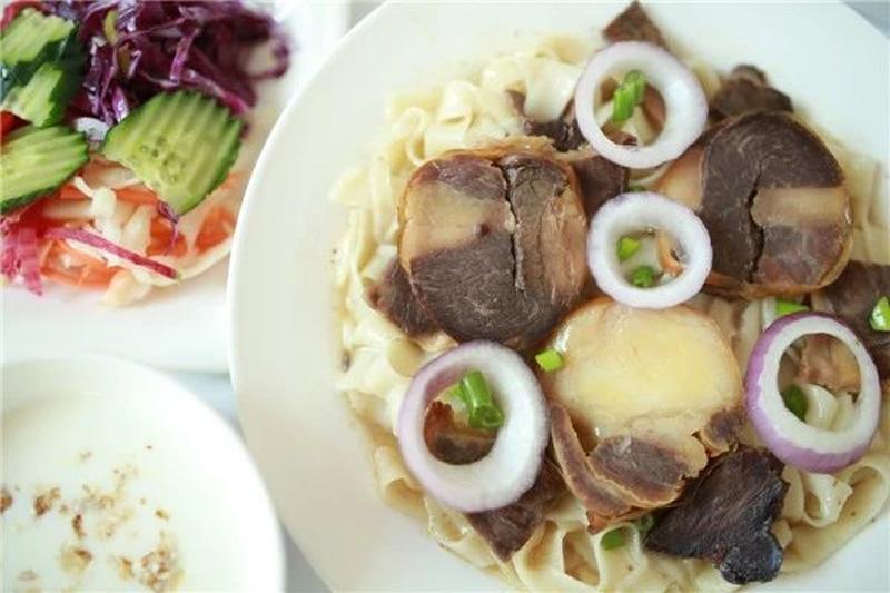 塔里哈提马肉纳仁餐厅