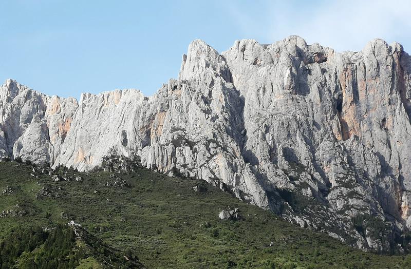 扎尕那的石头山