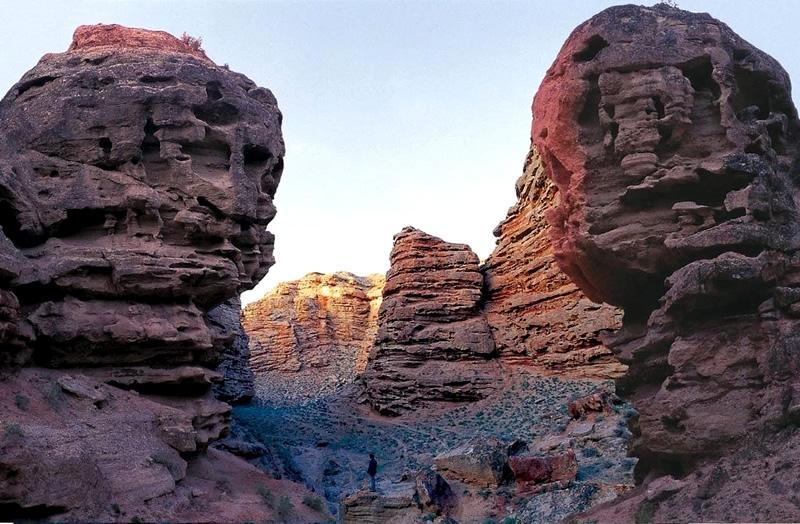 额日布盖峡谷