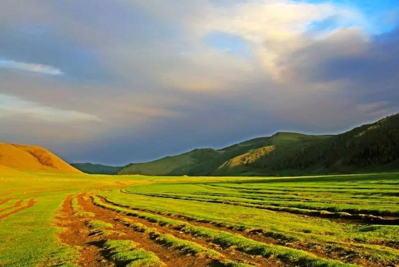 扎鲁特旗山地草原